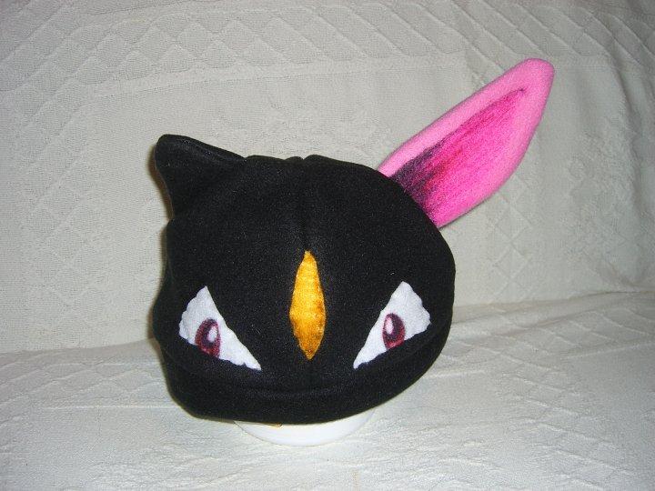 sneasel hat