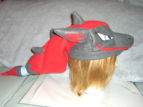 Zoroark hat